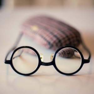 金属眼镜架